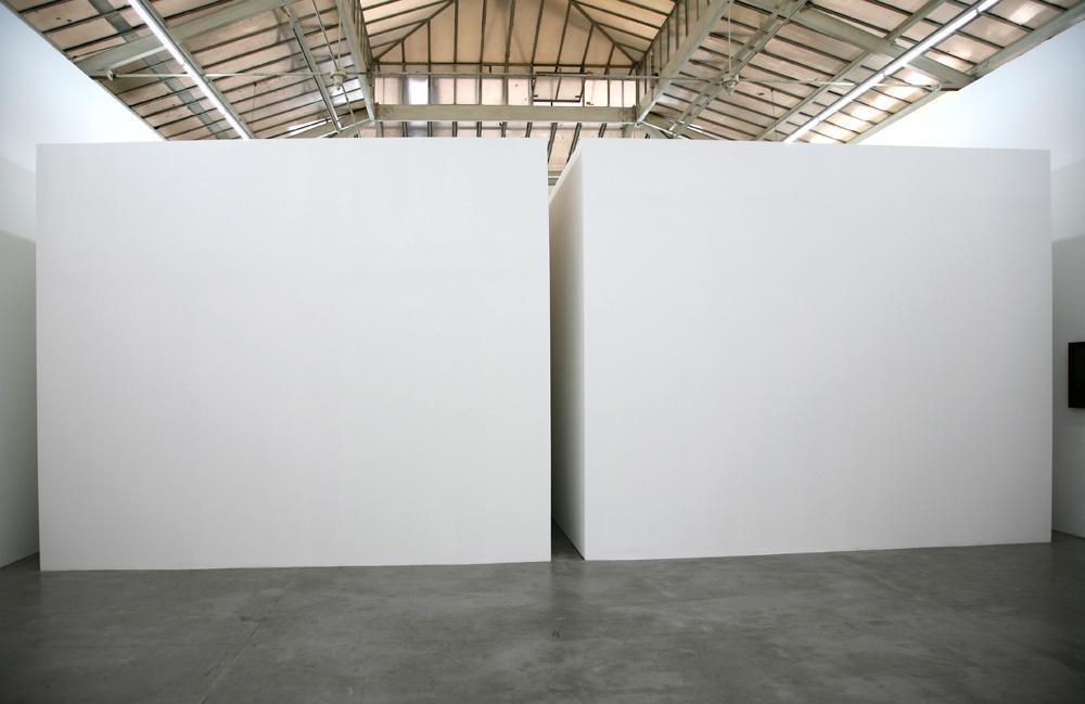 Markus Schinwald exhibition @ Yvon Lambert Gallery entrance