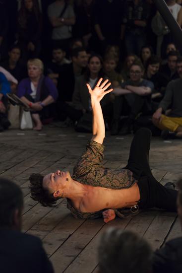 Hannah Perry, Horoscopes (Déjà Vu) (2014) @ Serpentine Pavilion. Photo by Lewis Ronald.