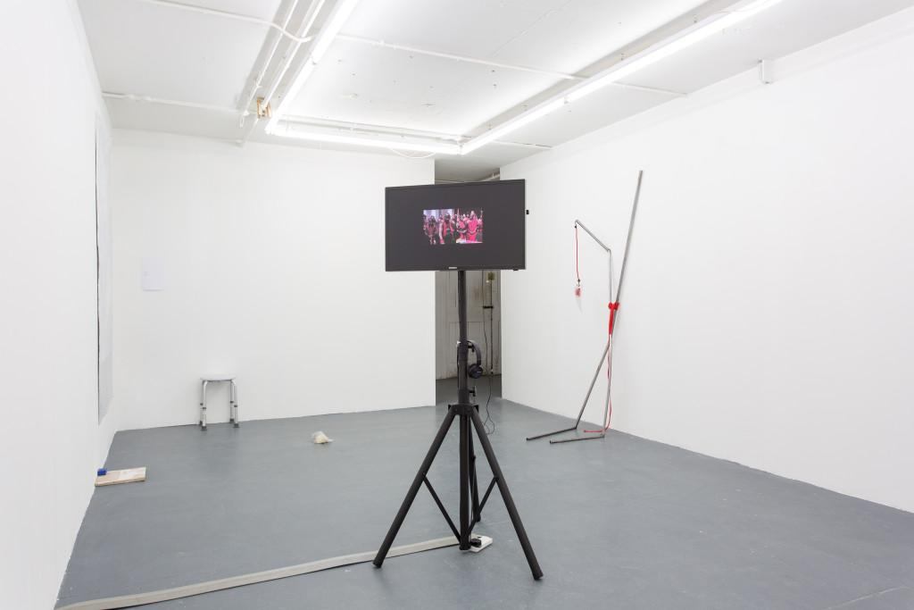 Milou van der Maaden, From a Head to a Head (2011) Install view. Courtesy MOT International, London.
