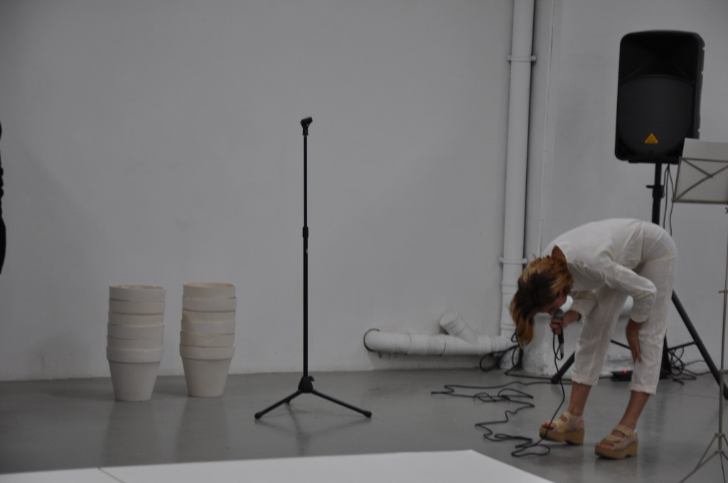 Claudia Pagès, 'Empathy' (2015) @ P//////AKT, Amsterdam. Performance view. Courtesy the artist.