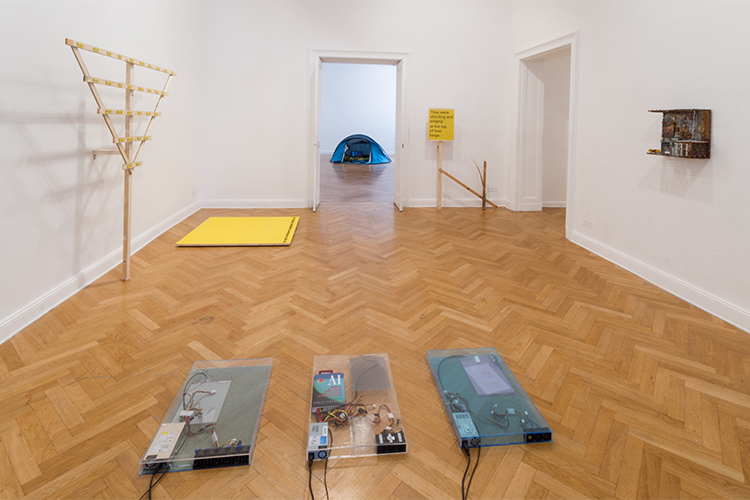 Abjects (2015). Exhibition view. Photo by Ben Busch. Courtesy Import Projects, Berlin.