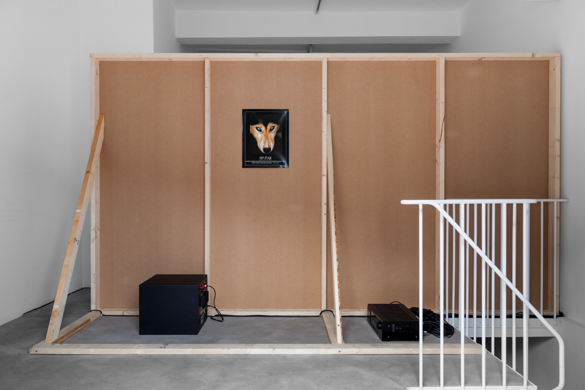 Ed Atkins, Hisser (2015). Exhibition view. Photo by Sven Laurent. Courtesy dépendance, Brussels.